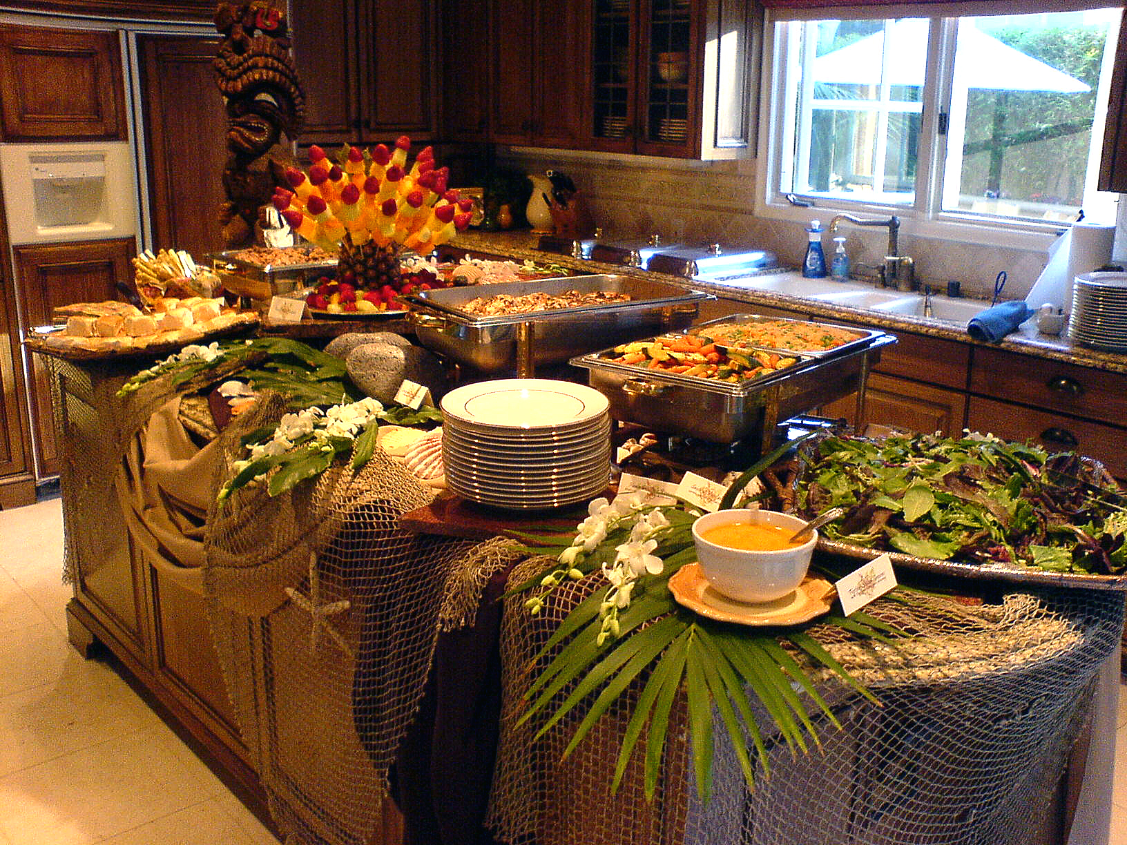Backyard Hawaiian Luau : Hawaii Luau Food Images & Pictures  Becuo